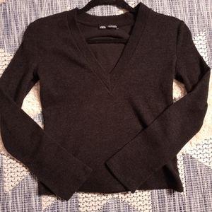 Zara v neck sweater size small